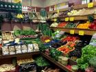 The inside of Navits store, always very organized and with the freshest and most delicious food!